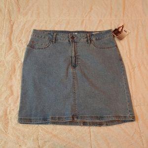 Lee mid rise skirt